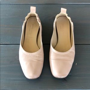 Everlane leather flats in rose.